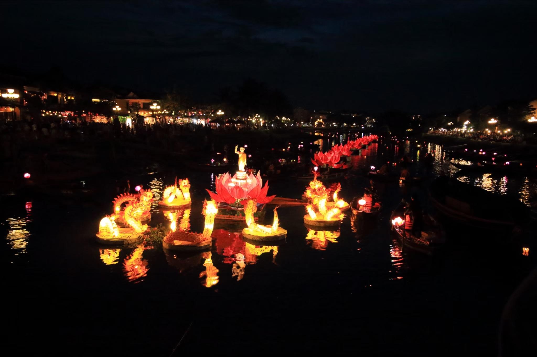 ベトナムダナンホイアン夜の提灯